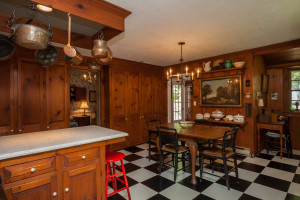 Bowing to today's demand for cutting edge kitchens, even in historic homes, the Ebenezer White House delivers appropriately to its style.